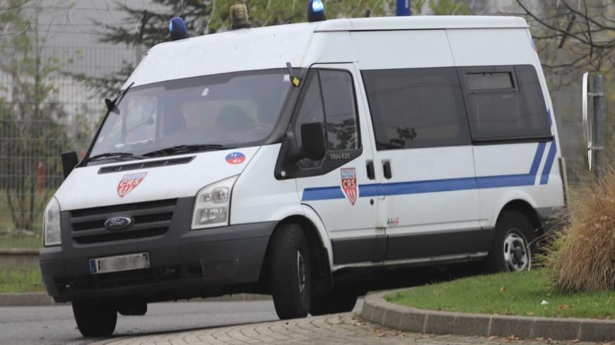 Villeurbanne : contrôlé pour excès de vitesse, il tente de renverser un CRS