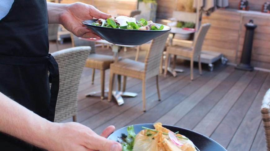 Déconfinement à Lyon : les terrasses des restaurants, bars et cafés vont d'abord rouvrir à 50% de leur capacité d'accueil