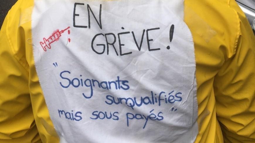 Service de réanimation en grève : environ 200 soignants manifestent à Lyon