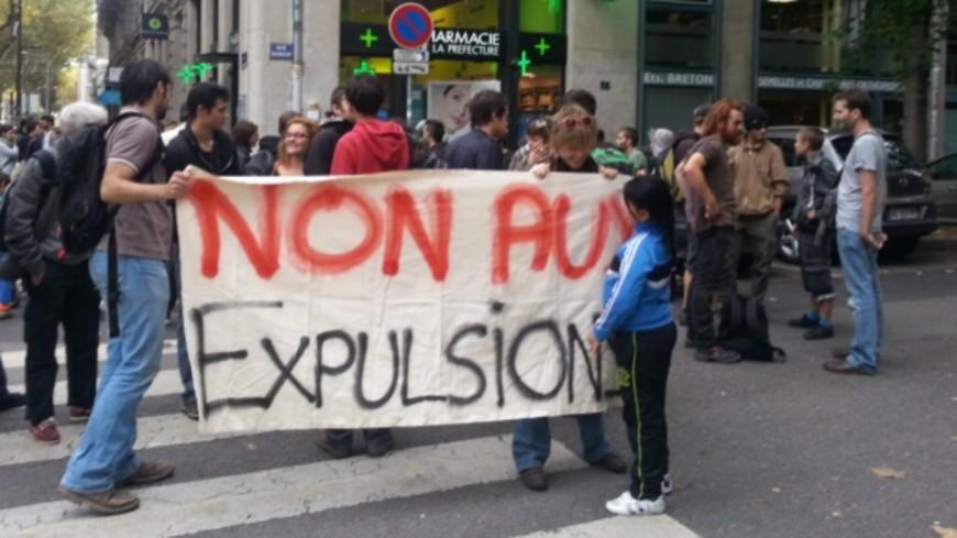 Lyon : la Métropole signe une convention avec des squatteurs pour garantir leur présence pendant deux ans