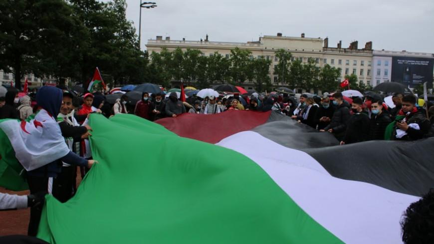 Lyon : près de 1000 personnes place Bellecour pour le rassemblement pro-Palestine