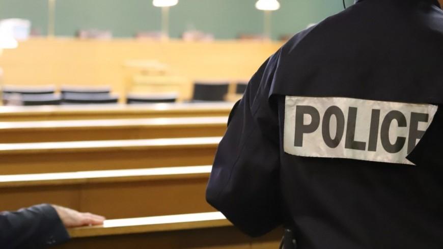 Près de Lyon : condamné à 12 mois de prison ferme pour avoir frappé et brûlé sa sœur