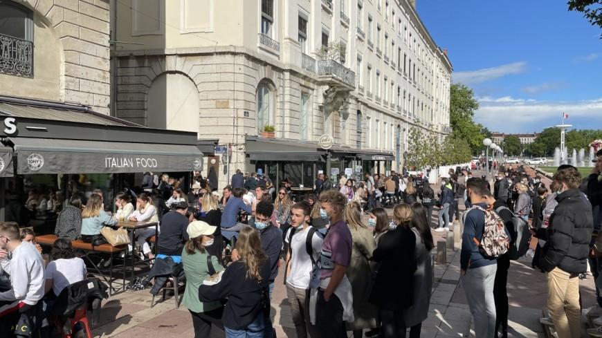 Lyon : les terrasses prises d'assaut du matin au soir en centre-ville