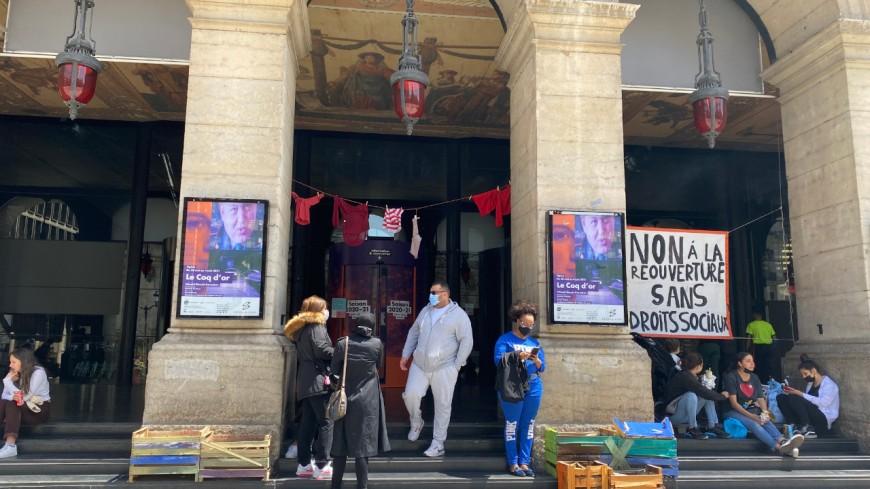 Occupation de l'Opéra de Lyon : deux représentations annulées, la justice saisie pour expulser les militants