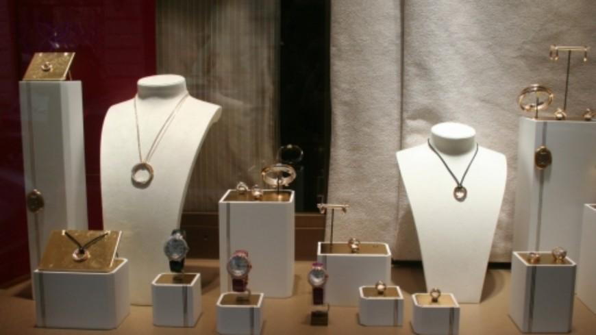 Près de Lyon : il laisse sa fenêtre ouverte, les voleurs mettent la main sur 1300 euros de bijoux