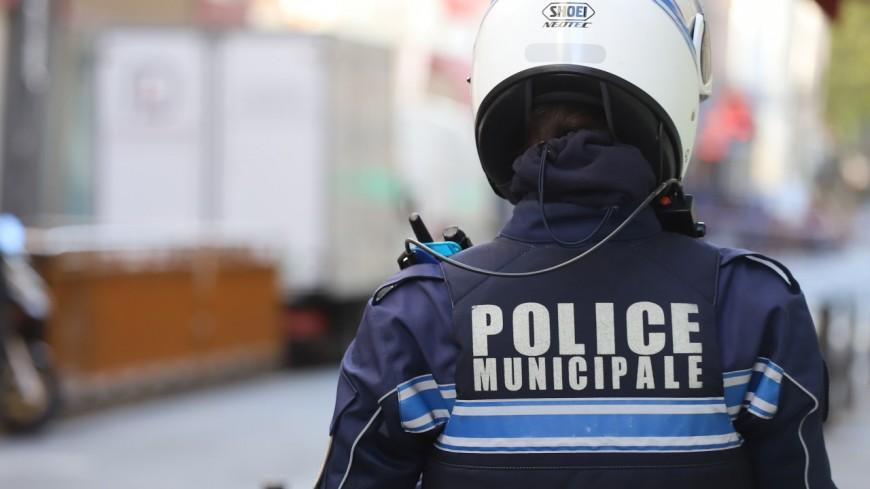 """Pièce de théâtre habitants-policiers : la police municipale de Lyon """"ne sait plus si elle doit en rire ou pleurer"""""""