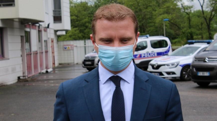 """Polémique sur l'appel à la dénonciation à Rillieux : """"on est dans la caricature"""", selon le maire"""