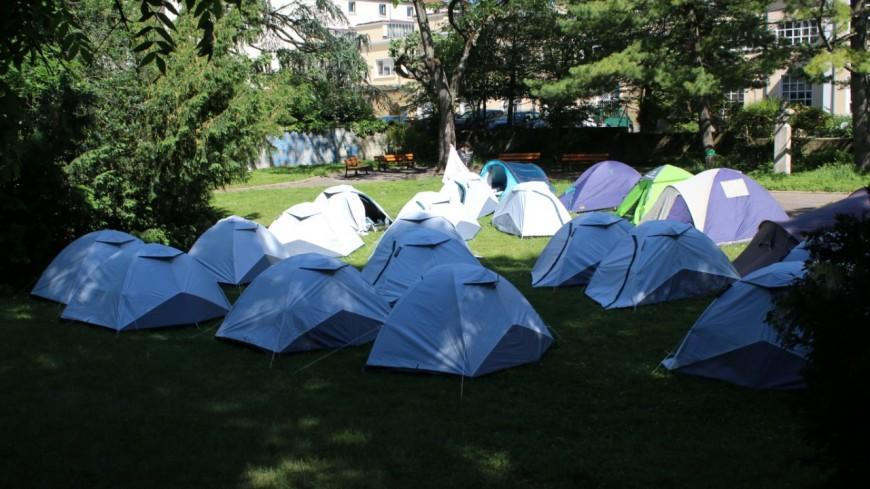 Lyon : une vingtaine de mineurs isolés campent au square Ferrié à la Croix-Rousse
