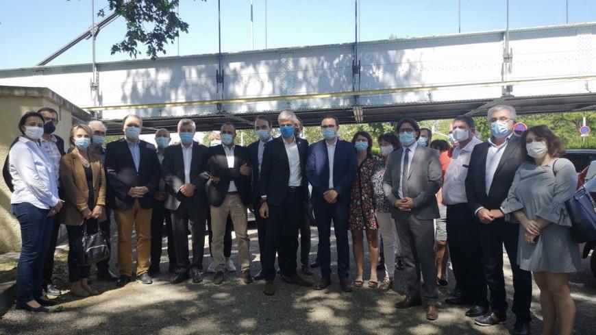 """Régionales : Laurent Wauquiez """"prêt à débloquer 5 millions d'euros"""" pour le pont de Vernaison"""