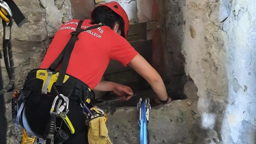 Près de Lyon : tombé dans un puits de 19 mètres de profondeur, un chat sauvé par les pompiers