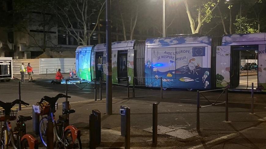 Près de Lyon : trois blessés lors d'un accident entre une voiture et un tramway après un refus d'obtempérer