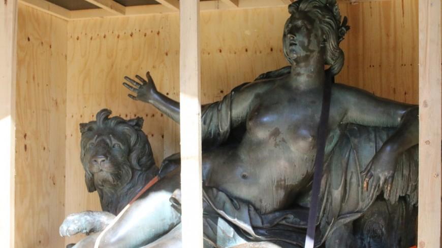 Lyon : la restauration des statues des frères Coustou accessible au public