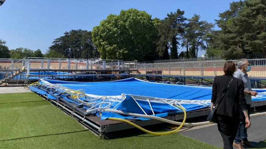 La piscine éphémère du Parc de la Tête d'Or revient à Lyon cet été