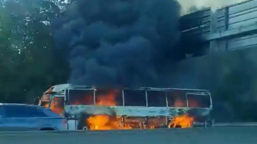 Près de Lyon : un bus prend feu sur l'A43