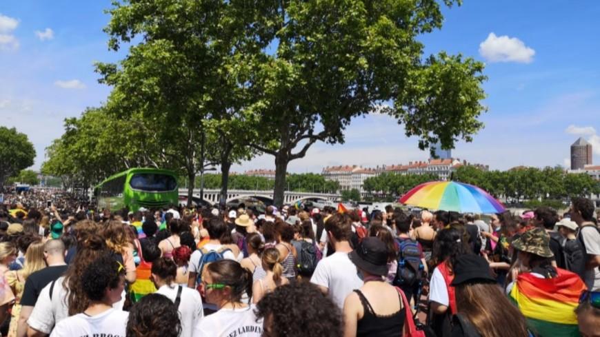 15 000 personnes dans les rues de Lyon ce samedi pour la Marche des Fiertés - PHOTOS