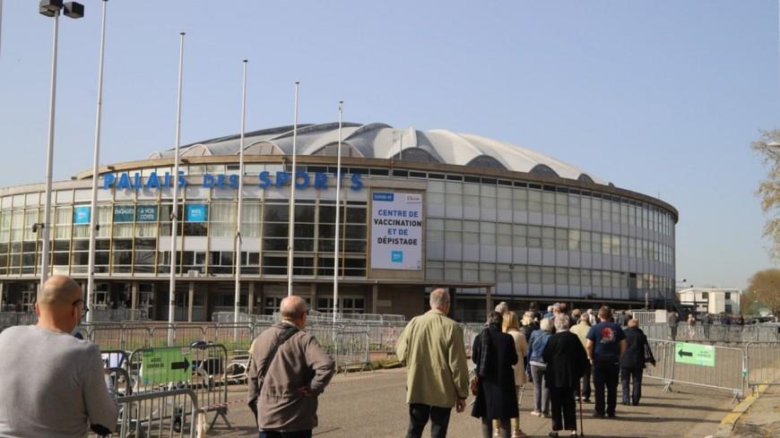 Lyon : il est désormais possible de savoir si on a eu le Covid-19 avant de se faire vacciner au Palais des Sports