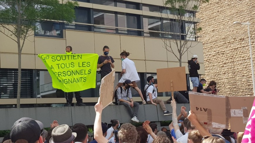 300 soignants mobilisés à Lyon pour de meilleures conditions de travail