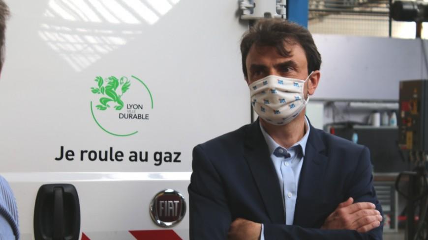 """Don d'un véhicule polluant de la Ville de Lyon à Ouagadougou : Grégory Doucet accusé de """"polluer chez les autres"""""""