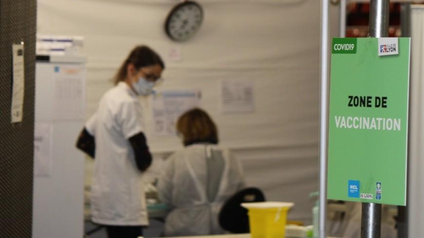 Covid-19 : la Métropole de Lyon débloque 413 000 euros pour accompagner les centres de vaccinations des communes