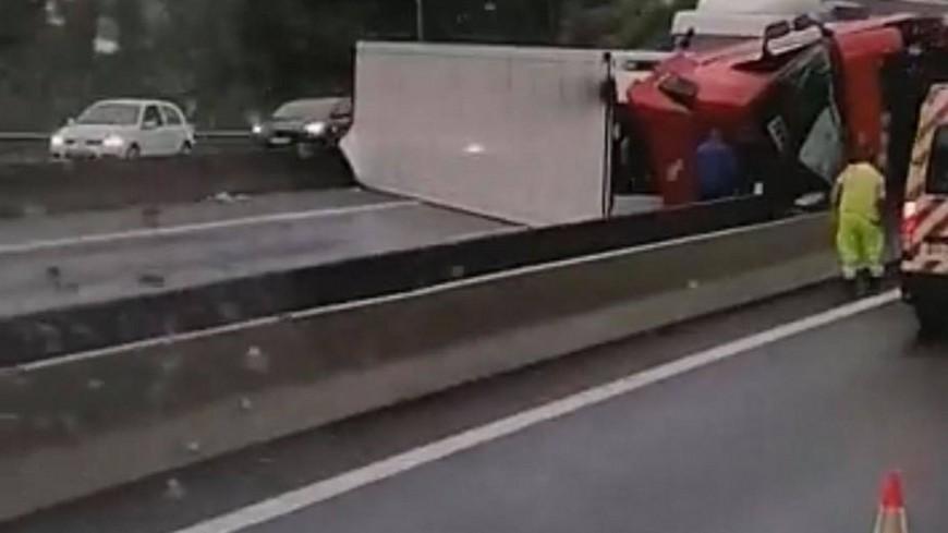 Près de Lyon : la circulation reprend sur l'A46 après un accident de camion