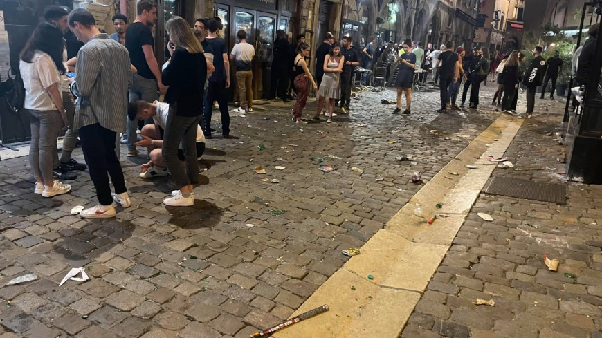 Lyon : une grosse bagarre rue Mercière, des mouvements de foule pour évacuer l'artère
