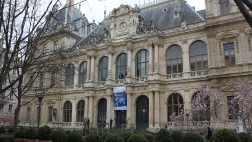 La CCI de Lyon se réorganise et donne la priorité aux clients