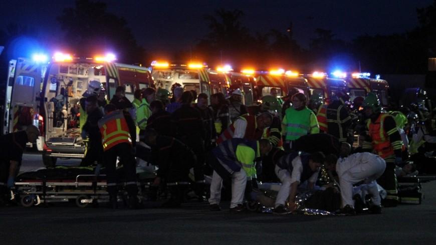 Près de Lyon : trois morts et un bébé grièvement blessé dans un violent accident, un contresens à l'origine du drame