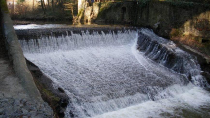 Près de Lyon : démolition du seuil de Taffignon de l'Yzeron, le dernier obstacle à la circulation des poissons