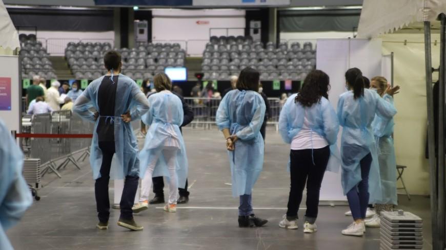 Covid-19 : réorganisation du palais des sports de Gerland à Lyon pour 100% de vaccination cet été