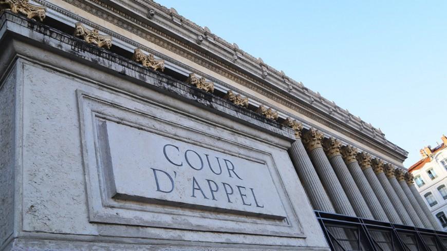 """""""Gouvernement de la honte"""" : les féministes manifestent ce mardi devant la cour d'appel de Lyon"""