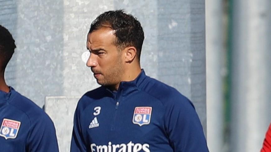 Djamel Benlamri quitte déjà l'OL et file au Qatar