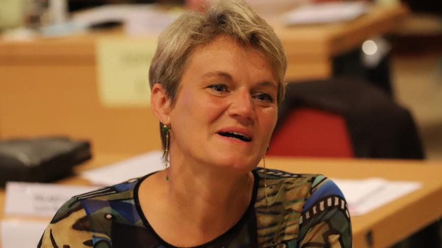"""Les """"prolos"""" et le téléphérique : une vice-présidente de la Métropole de Lyon reprise de volée par l'opposition"""