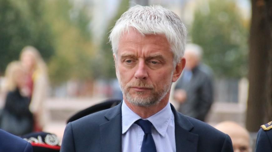 """L'extension du pass sanitaire se fait """"au détriment des plus défavorisés"""" selon le député Hubert Julien-Laferrière"""