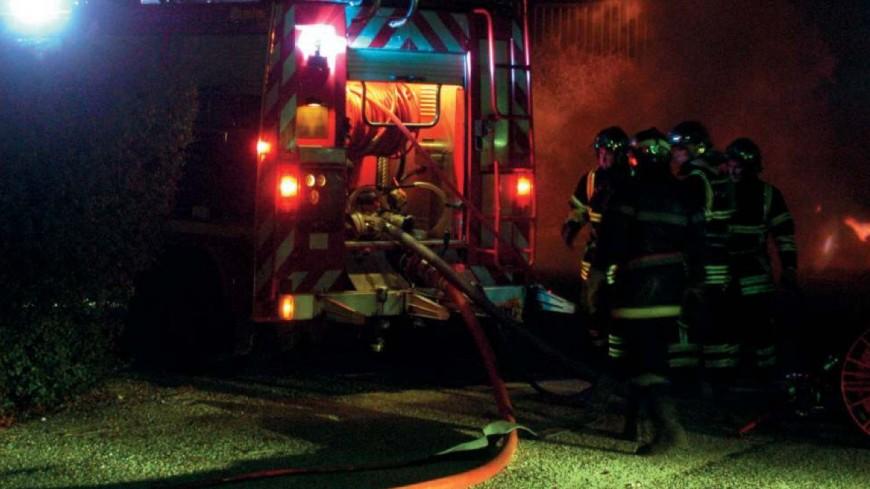 Vaulx-en-Velin : le feu de voitures se propage à un immeuble, un blessé