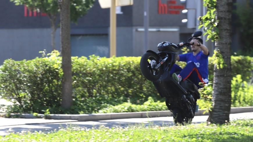 Près de Lyon : le mineur récidiviste réalise un rodéo près d'une aire de jeux de Vaulx-en-Velin