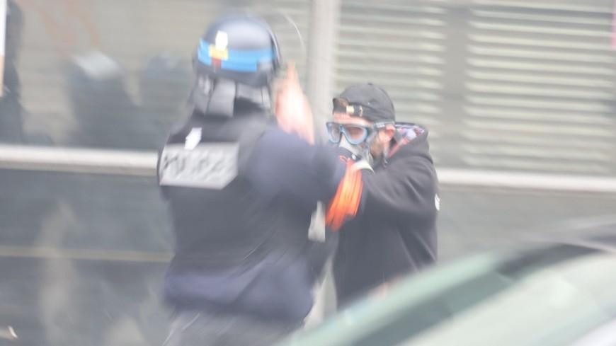Manifestation anti pass sanitaire : 12 policiers blessés ce samedi à Lyon