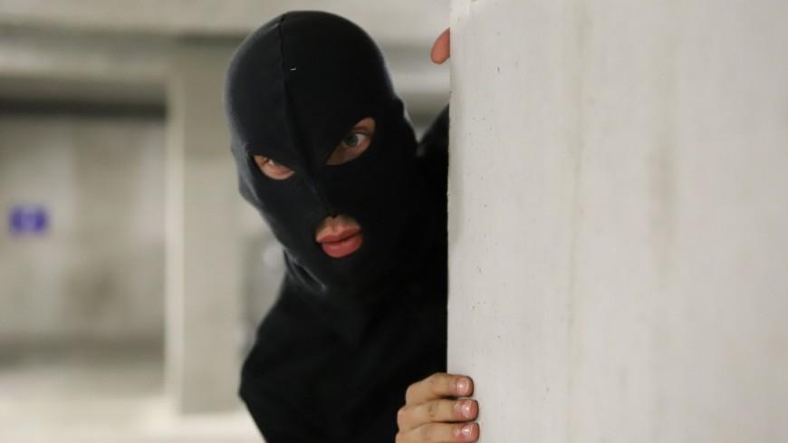 Lyon : un cambrioleur tombe dans les escaliers avant d'être maîtrisé par sa victime