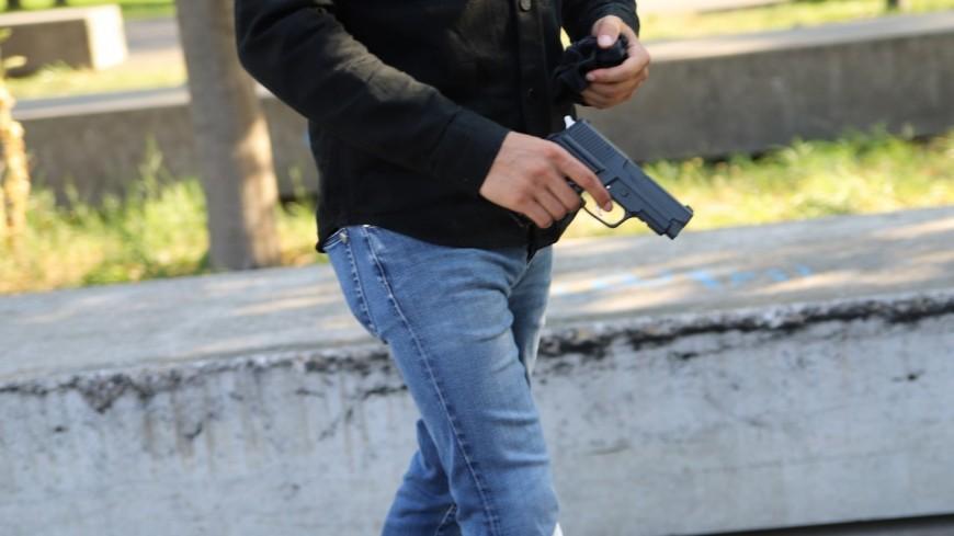 Près de Lyon : il pointe une arme sur un médecin pour que son ami soit bien soigné