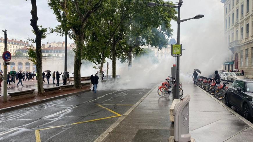 Manifestations anti pass sanitaire à Lyon : sept interpellations