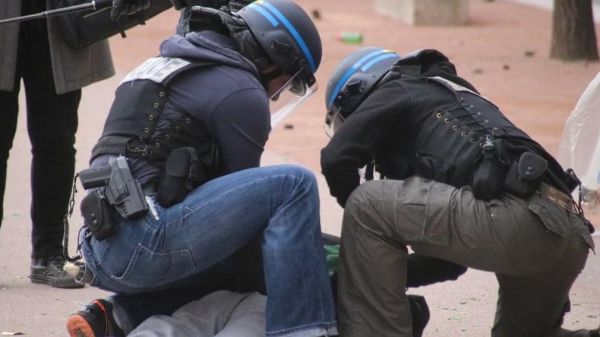 Sept mineurs interpellés en marge de la manifestation anti pass sanitaire à Lyon