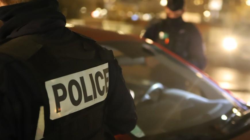 Près de Lyon : arrêté, il montre son pénis aux policiers avant de s'échapper