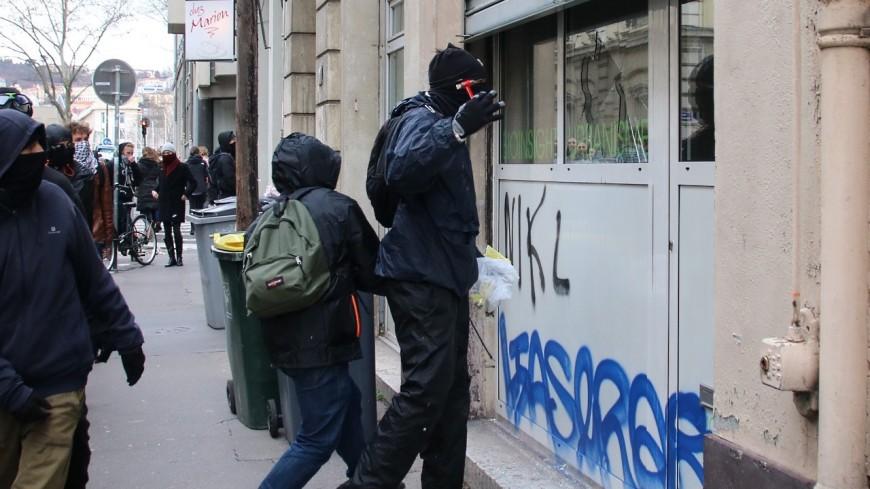 Lyon : un manifestant anti pass sanitaire jugé pour violences et dégradations