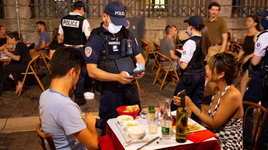 Pass sanitaire dans les restaurants à Lyon : derniers contrôles avant les sanctions