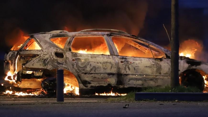 Près de Lyon : important incendie dans une casse automobile