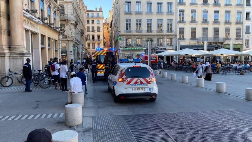 Lyon : un homme chute en voulant escalader un mur place des Terreaux