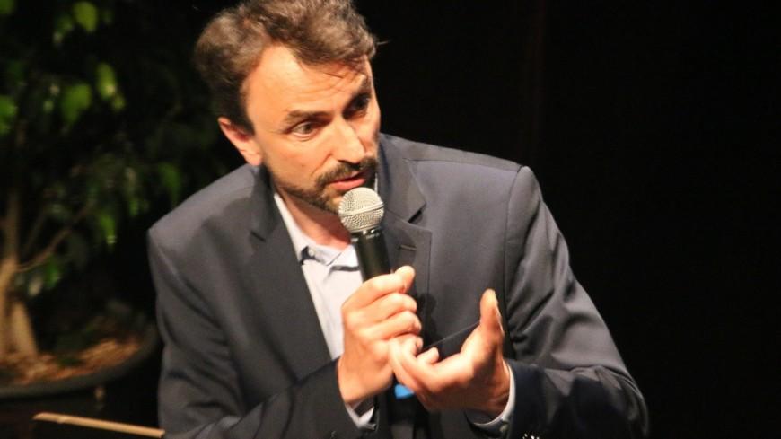 Grégory Doucet accusé de ne vouloir développer l'autopartage qu'à Lyon