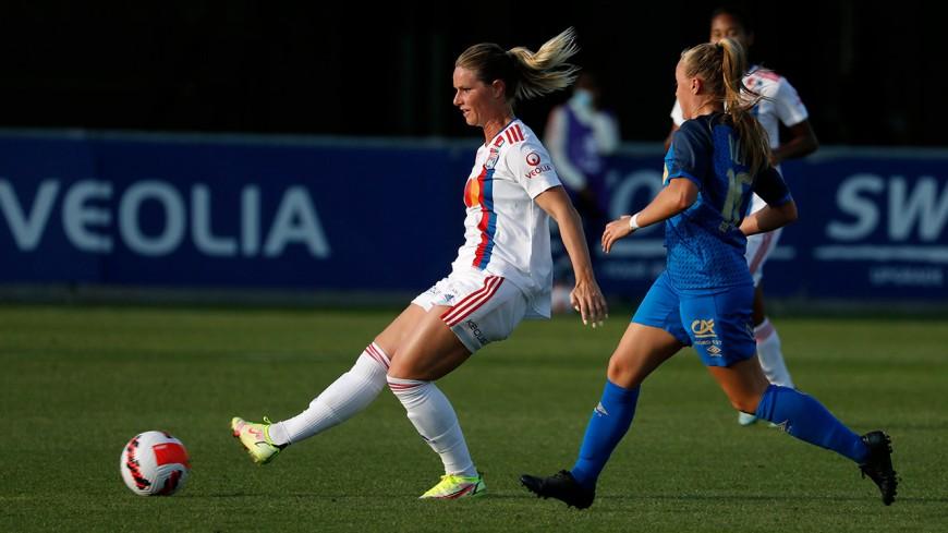 L'OL féminin débute sa saison en étrillant Reims (3-0)