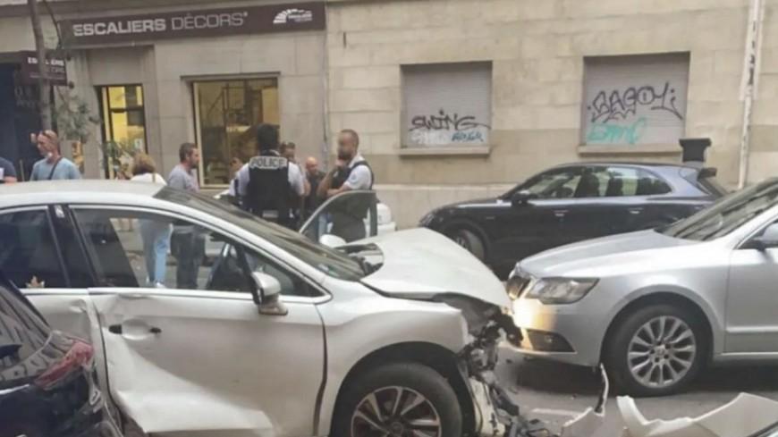 Lyon : armé d'un couteau, il vole une voiture puis s'encastre dans des véhicules