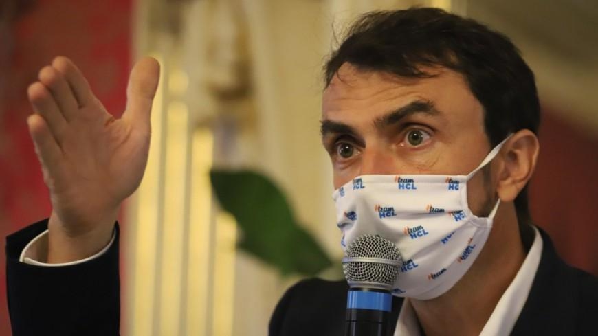 Grégory Doucet et plusieurs médecins des HCL signent une tribune contre les agressions des soignants pro-vaccination
