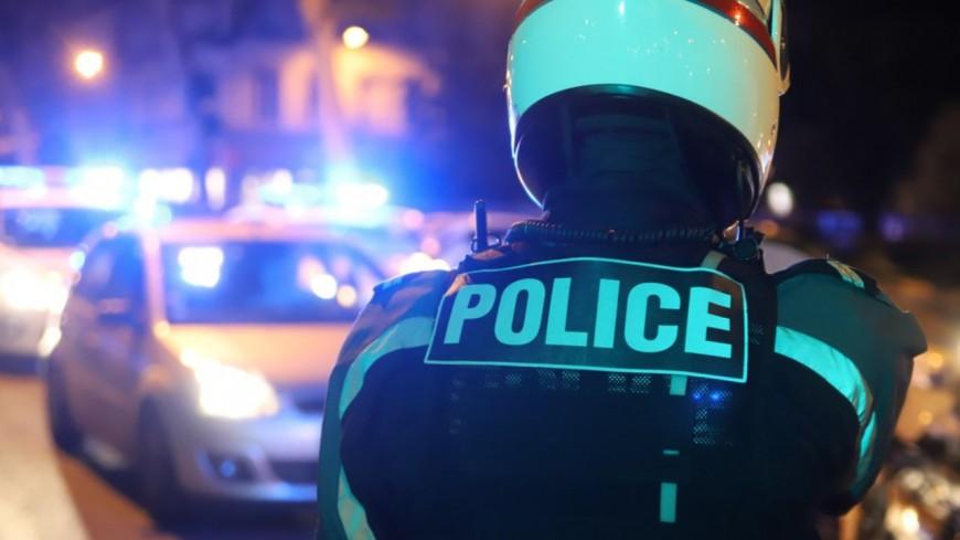 Près de Lyon : il bloque les voies du tram avec sa voiture accidentée et profère des insultes à caractère raciste